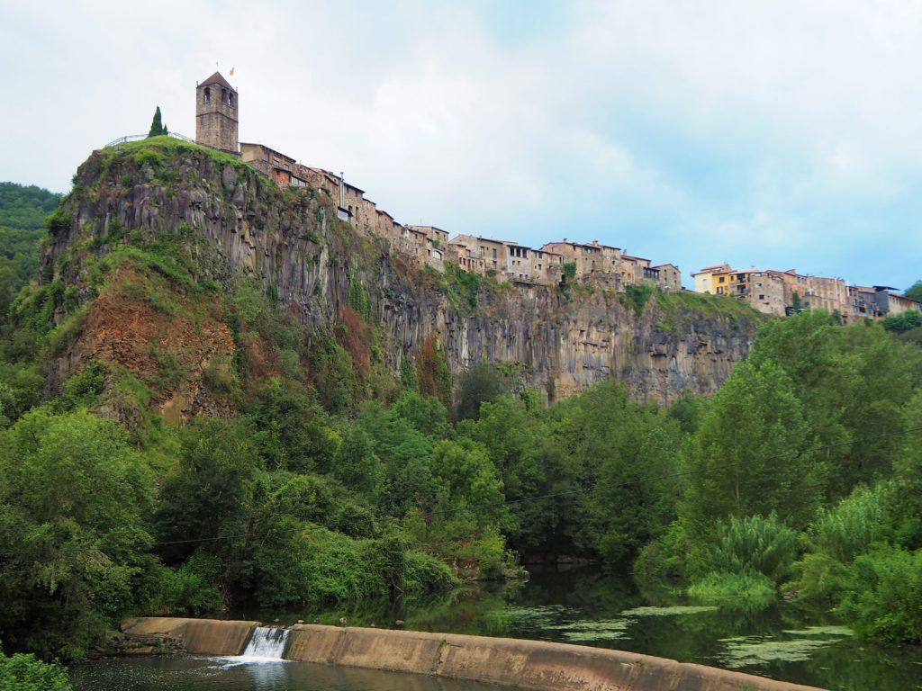Castellfollit de la Roca over the cliff